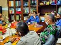 Forum Koordinasi Pimpinan Daerah (Forkopimda) Barru, menggelar rapat koordinasi di ruang kerja bupati, Kamis (28/05/2020).