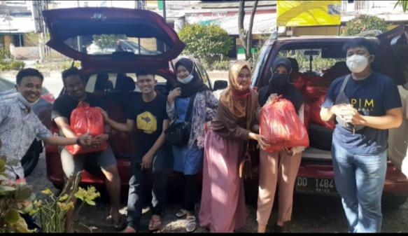 IAPIM Makassar Angkatan 2011 Berbagi dengan Sesama di Tengah Covid-19