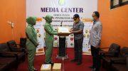 Ketua Persit KCK Kodim 1415 Selayar Sumbang APD