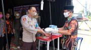 Wabup Gowa Keliling Pos Pengamanan Perbatasan Bagikan Suplemen dan APD
