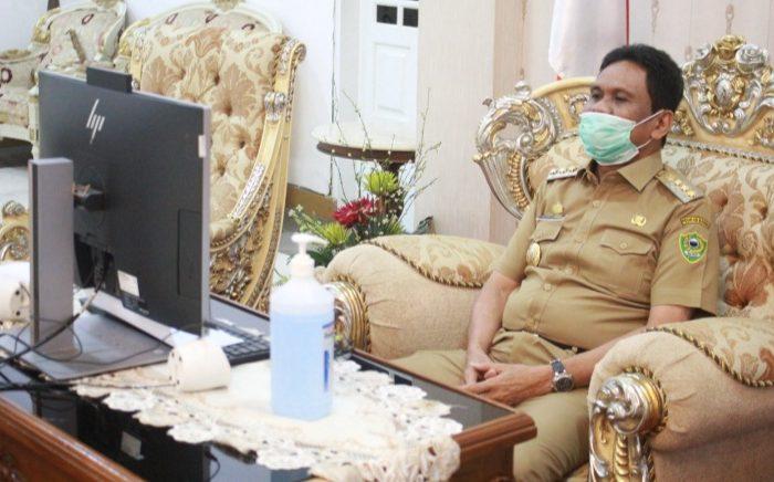 Melalui Video Conference, Suardi Saleh Semangati Warganya yang Positif Corona