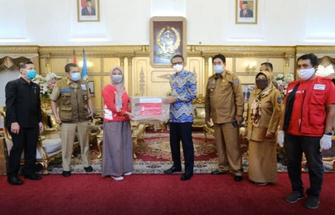 Gubernur Sulsel Kembali Terima Bantuan Senilai Ratusan Juta dari BUMN dan Swasta