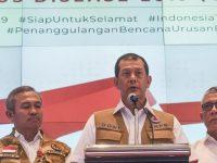 Ketua Gugus Tugas Percepatan Penanganan COVID-19 Doni Monardo (tengah). (ANTARA FOTO/Muhammad Adimaja/foc)