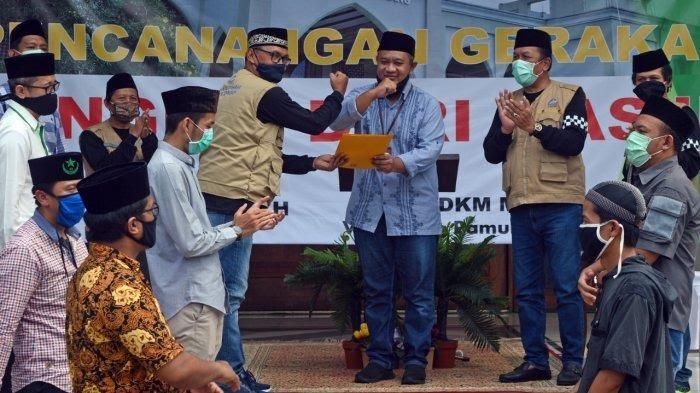 kampanye #BangkitdariMasjid yang diluncurkan bersama DKM Masjid Raya Al Kautsar, Villa Dago, Pamulang, Tangerang Selatan pada Jumat (22/5/2020).