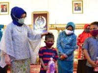 PKK Sulsel dan IOM Salurkan Bantuan Masker untuk Anak-anak