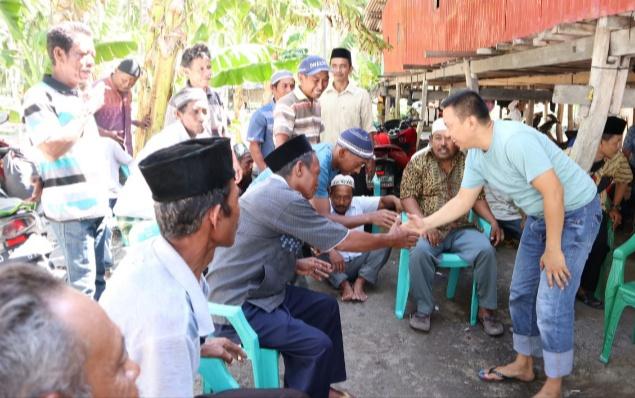 Warga Pulau Tambolangan Keluhkan Listrik, Bupati Selayar Beri Bantuan Genset