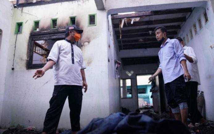 Wagub Sulsel Sambangi Korban Kebakaran di Maccini Parang Makassar