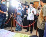 Pj Wali Kota Makassar Bersama Istri Melayat ke Rumah Duka Andi Muallim