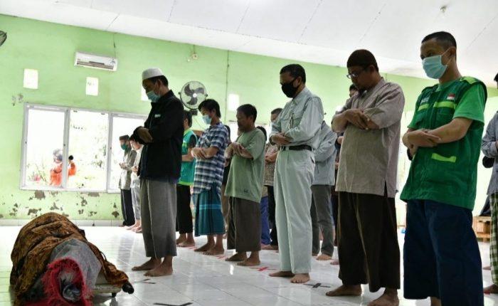 Nurdin Abdullah Ikut Salat Jenazah Khaerul, Korban Banjir di Bantaeng