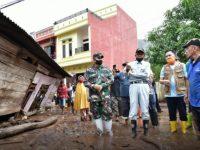 Gubernur Sulsel Beri Bantuan Rp16 Miliar untuk Banjir Bantaeng