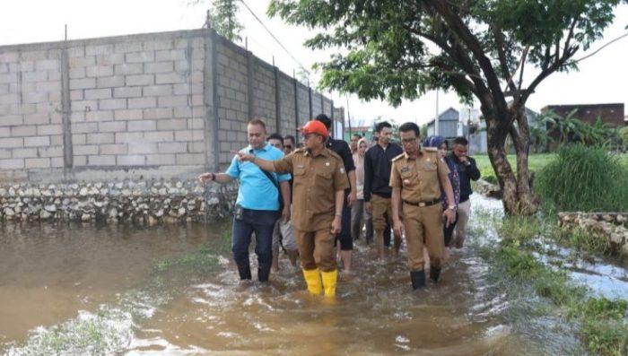 Iqbal Kunjungi Lokasi Rawan Banjir Toa Daeng III Dan BTN Kodam lll