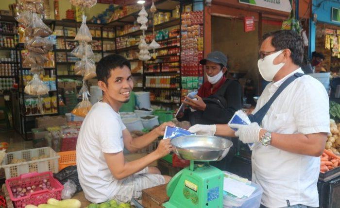 Wagub Sulsel dan Relawan Kompak Edukasi dan Bagi Masker ke Masyarakat