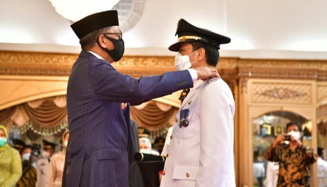 Gubernur Sulsel Lantik Prof Rudy sebagai Pj Wali Kota Makassar yang Baru