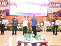 Gubernur Sulawesi Barat, Ali Baal Masdar saat menghadiri Hari Anti Narkotika Internasional (HANI) di Aula Lantai 4 Kantor Gubernur Sulbar, Jumat, 26 Juni 2020.
