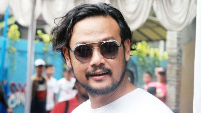 Polisi tetapkan artis Dwi Sasono sebagai tersangka penyalahgunaan narkoba.