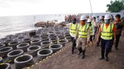 Andi Sudirman Dorong Percepatan Pembangunan Pengaman Abrasi Pantai di Takalar