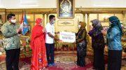 Lies F Nurdin Terima Rp 3,7 Miliar Dana Bantuan UMKM dari Pertamina
