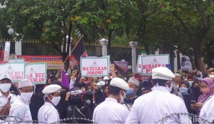 Massa PA 212 Tuntut Pemakzulan Jokowi (Foto: detikcom)