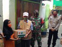 Gandeng TNI-Polri, LazisMu Sulsel Bagi Paket Sembako di Makassar