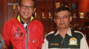 Ketua Nurdin Abdullah Community (NAC) Sulsel, Usdar Nawawi bersama Nurdin Abdullah. (Ist)