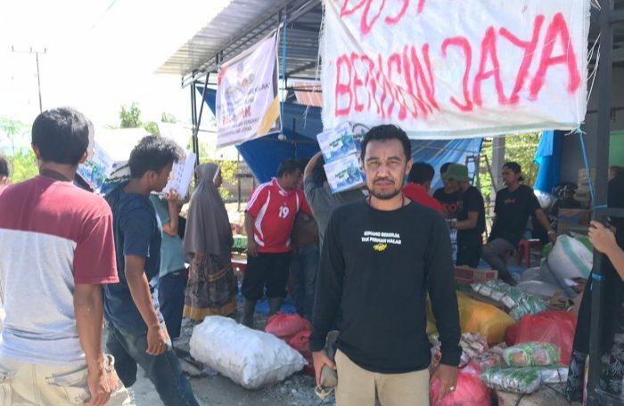 Pemerintah Desa Sumillan, kecamatan Alla, Kabupaten Enrekang bekerjasama dengan Asosiasi Pengguna Pasar Agro Sumillan turut memberikan bantuan kemanusiaan, Senin (20/7/2020).
