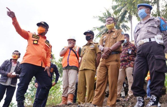 Bahas Oprit Jembatan Pacongkang, Wagub Sulsel dan Bupati Soppeng Turun ke Lapangan