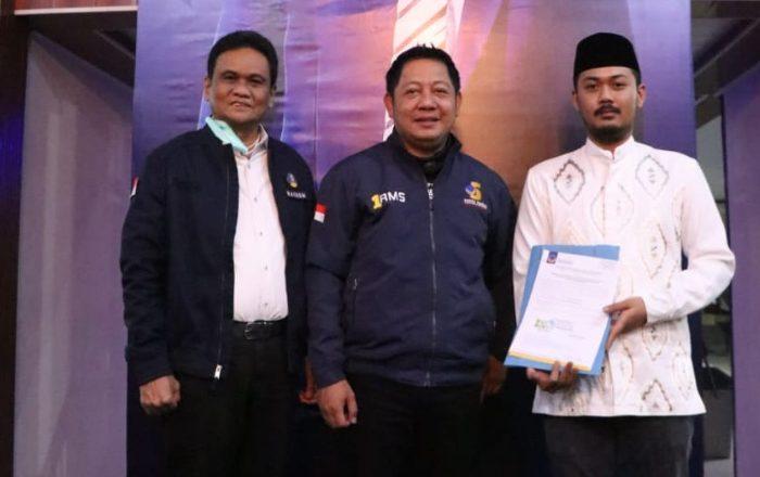 Partai NasDem menyerahkan B1-KWK Usung Suardi Saleh-Mirza Riogi di Pilkada Barru.
