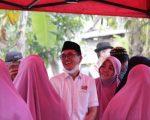 Arum Spink saat menyapa masyarakat di Kecamatan Herlang, Kabupaten Bulukumba. (Ist)