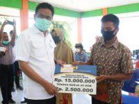 Bupati Barru Serahkan Bantuan Stimulan Perumahan Swadaya di Nepo