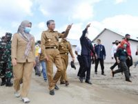 Nurdin Abdullah ke Lutra Tinjau Pembangunan Huntara Korban Banjir Bandang