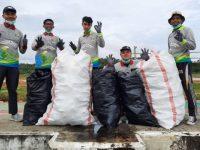 Greenvironment Indonesia Ikut Andil Kampanye dan Aksi Bersih di Pantai Amal Tarakan