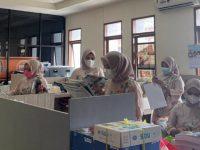 Humas Protokol Pemkot Parepare Kompak Berpakaian Adat Meriahkan HUT Kota ke - 61