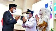 Nurdin Abdullah Lantik Irwan Bachri Sebagai Bupati Luwu Timur