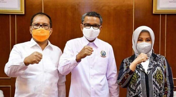 Nurdin Abdullah bersama Danny Pomanto dan Fatmawati Rusdi Masse.