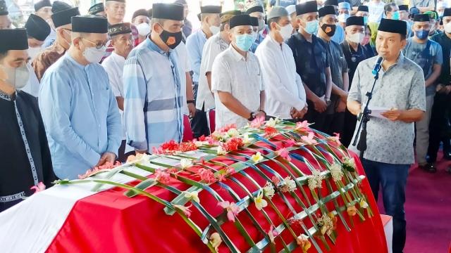 Bupati Selayar Lepas Jenazah Legislator Bijaksana Hj Suryani Ramli