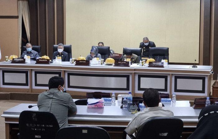Rapat Paripurna di Gedung DPRD Parepare