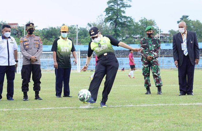 Taufan Pawe: Persepakbolaan Harus Disentuh Kebijakan Kepala Daerah