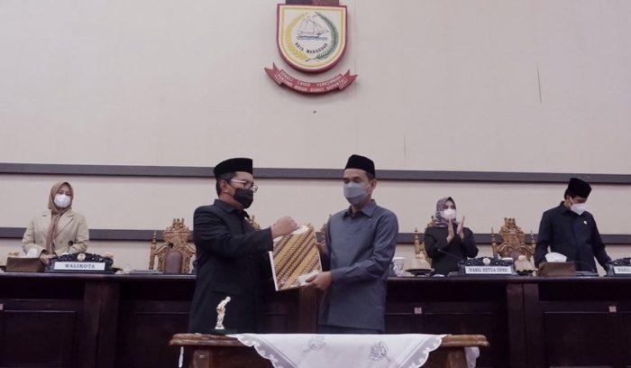 Wali Kota - DPRD Makassar Tandatangani Nota Kesepakatan KUA dan PPAS APBD Perubahan 2021