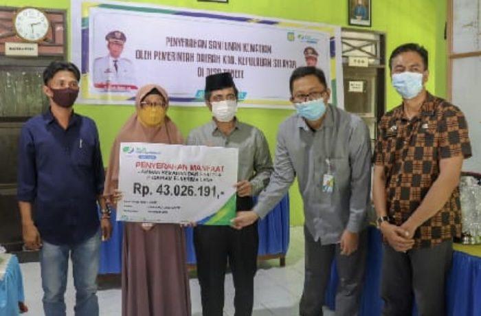 Wakil Bupati Selayar Serahkan Santunan Jaminan Sosial BPJS Ketenagakerjaan