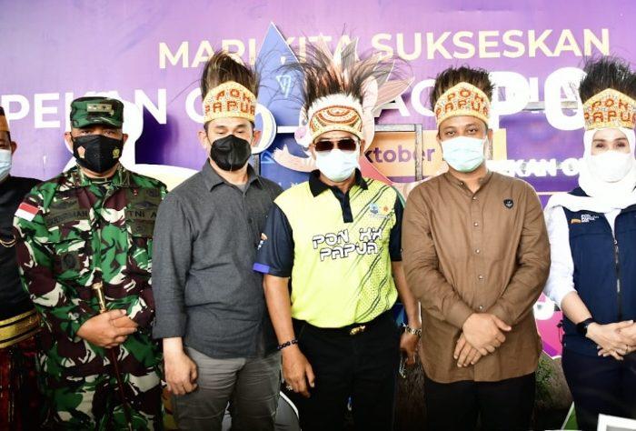 Berpakaian Adat, Warga KKSS Papua Sambut Plt Gubernur dan Forkopimda Sulsel